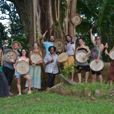 Fabriquer et jouer du tambour médecine en Guadeloupe